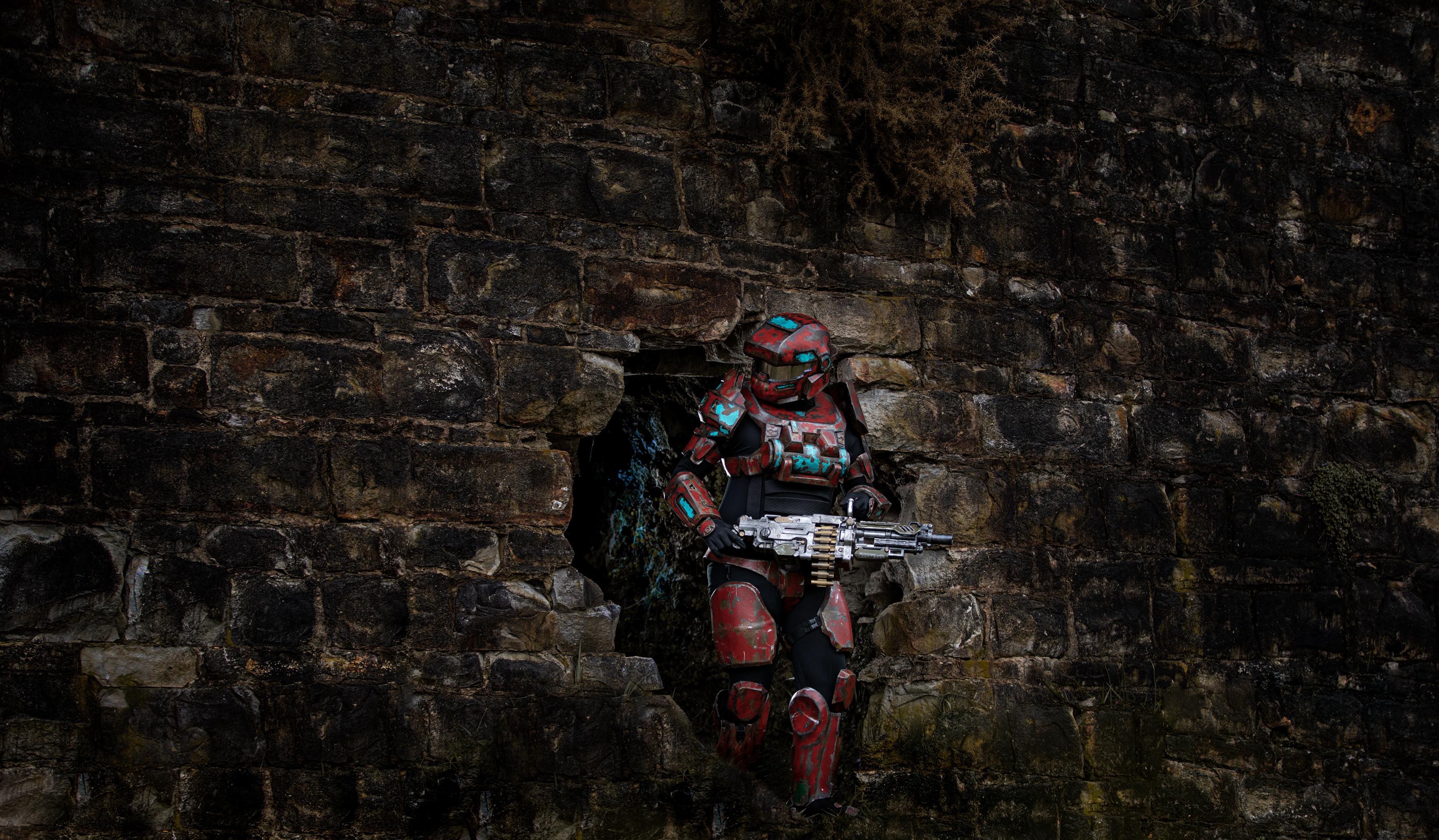 Halo soilder emerbges from a cave Waihi