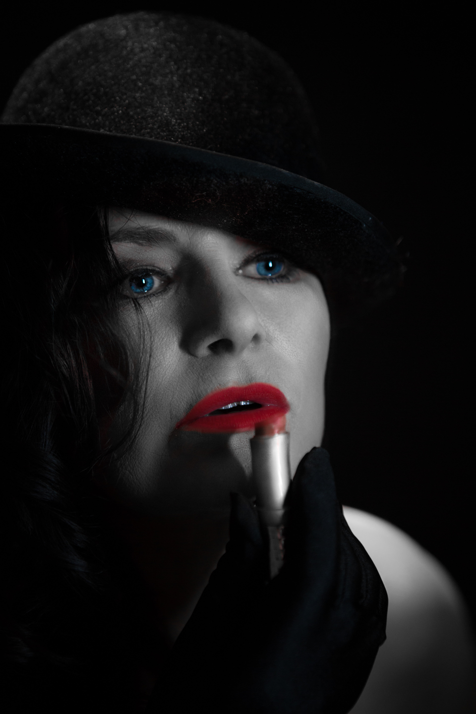 colour-pop red lips and blue eyes