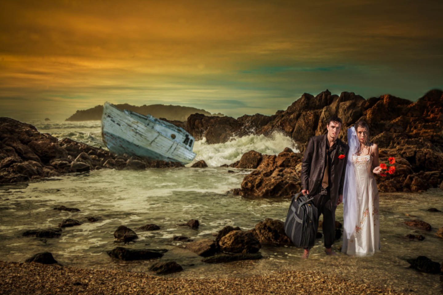 bridal couple swam ashore after their boat sinks in Mount Maunganui