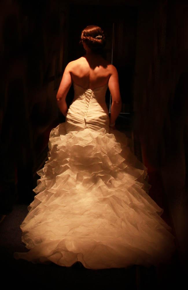 tungsten lights illuminate the brides dress in Rotorua