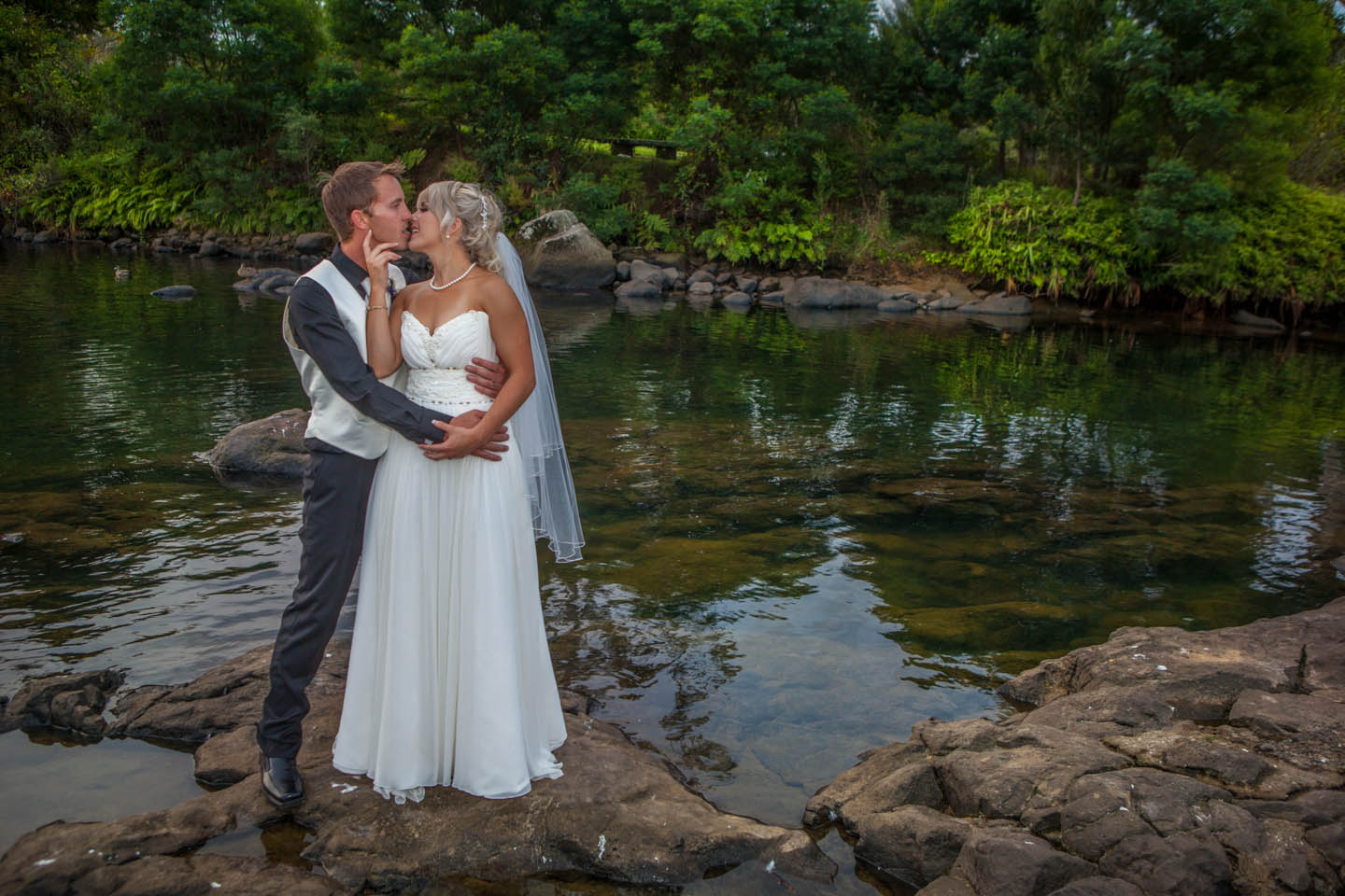 bride and groom at the Stone Store in Kerikeri