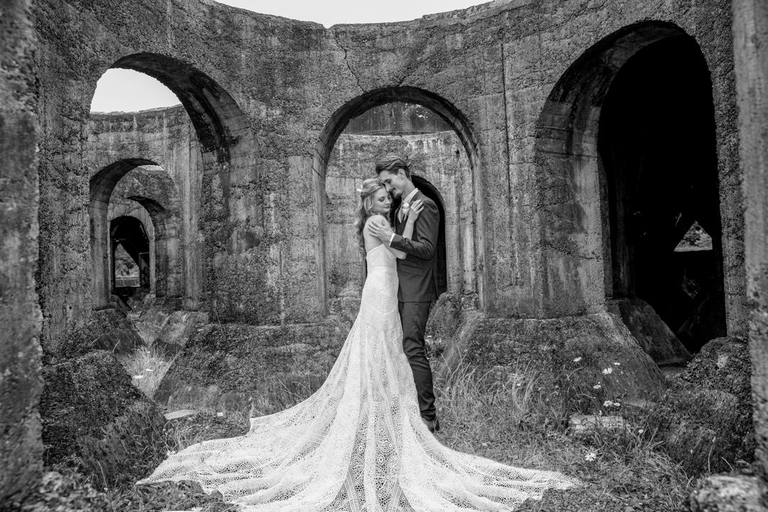 B:W Dramatic wedding dress